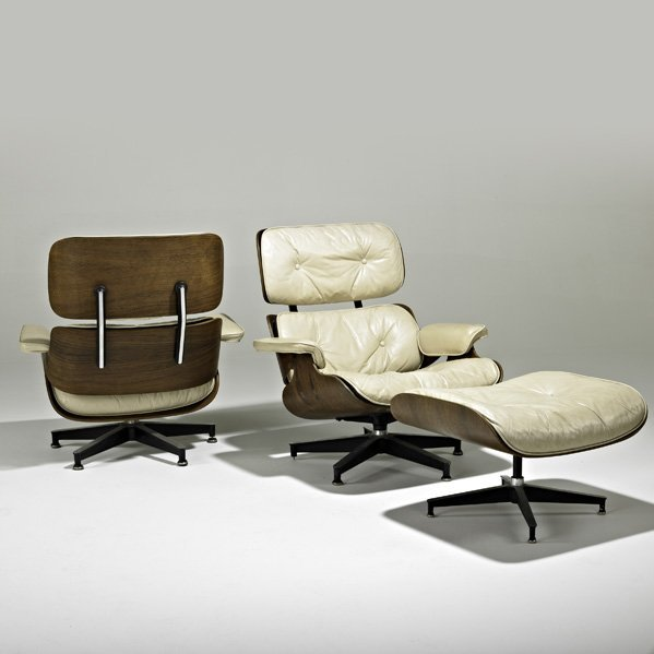 1721: CHARLES AND RAY EAMES 2 lounge chairs and ottoman