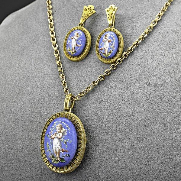 1018: VICTORIAN ENAMELED FAIRIES GOLD PARURE, ca. 1870