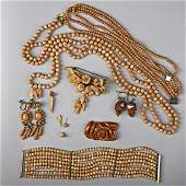 1085: CORAL JEWELRY COLLECTION, 19TH-20TH C.