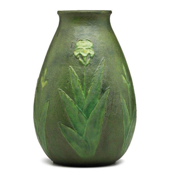 GRUEBY Early vase with irises