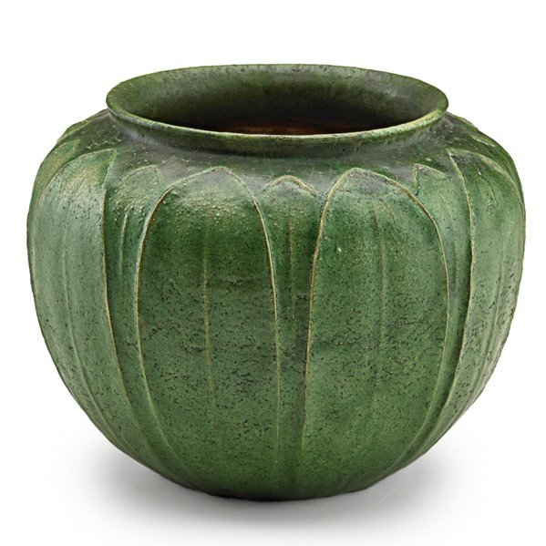 GRUEBY Vessel with leaves