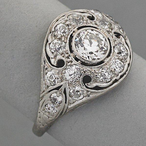 EDWARDIAN PLATINUM DIAMOND RING, ca. 1910