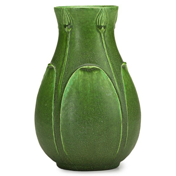 GRUEBY Vase with buds and leaves