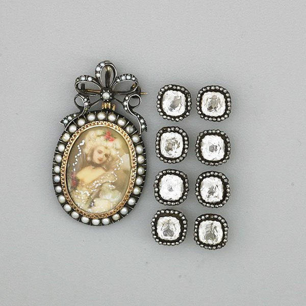 ANTIQUE PORTRAIT BROOCH AND SET OF EIGHT BUTTONS