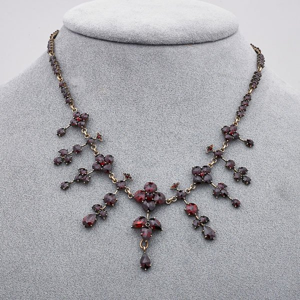 VICTORIAN ROSE CUT GARNET FRINGE NECKLACE