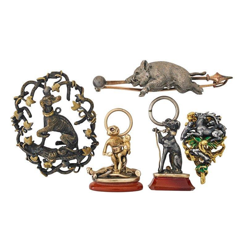 FIVE VICTORIAN HUNT OR ANIMAL JEWELS
