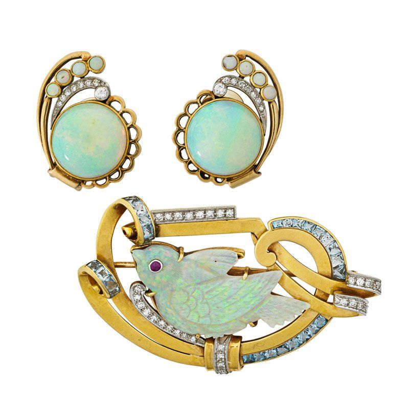 RETRO OPAL AND DIAMOND ASSEMBLED SUITE