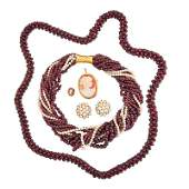 COLLECTION OF GARNET OR PEARL JEWELRY & CAMEO