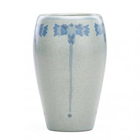 Marblehead Vase With Stylized Flowers