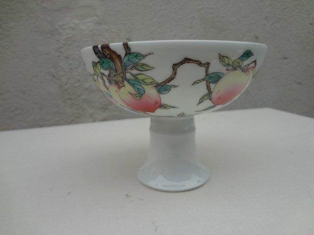 Elegant Qing Dynasty Yongzheng Famille Rose Stem Bowl