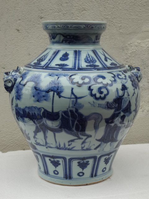 Exquisite Yuan Dynasty Guan with Drama Story
