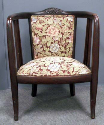 15: ART NOUVEAU CARVED AND STAINED MAPLE ARMCHAIR