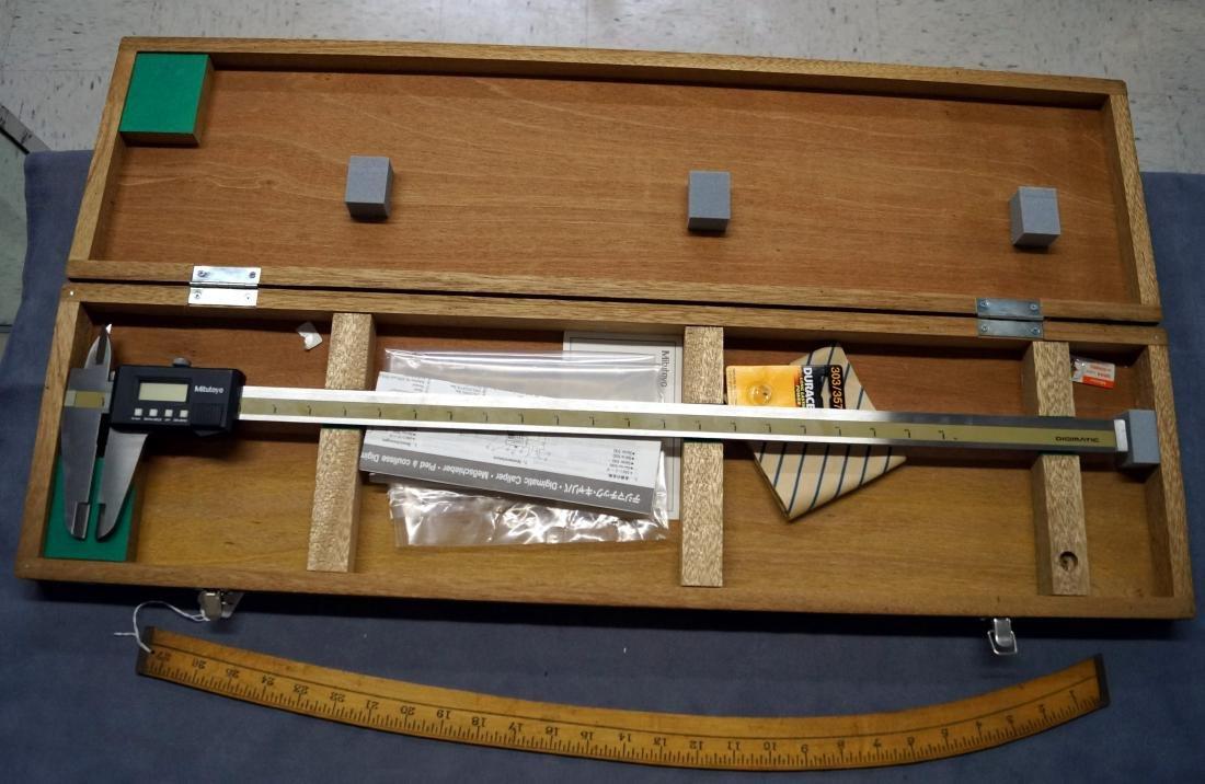 MITUTOYO 24-INCH DIGIMATIC CALIPER MOD CD-24 (CASED)
