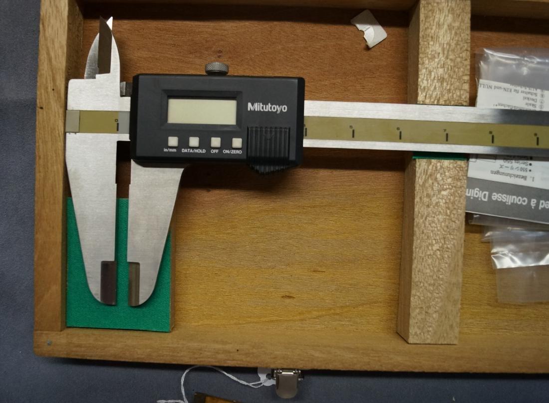 MITUTOYO 24-INCH DIGIMATIC CALIPER MOD CD-24 (CASED) - 2