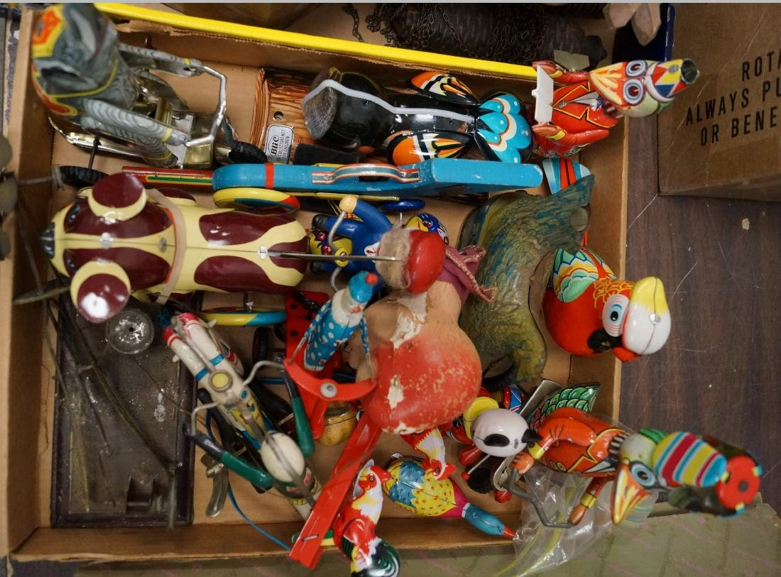 BOX LOT ASSORTED TIN LITHO WIND-UP TOYS INCLUDING DOG,