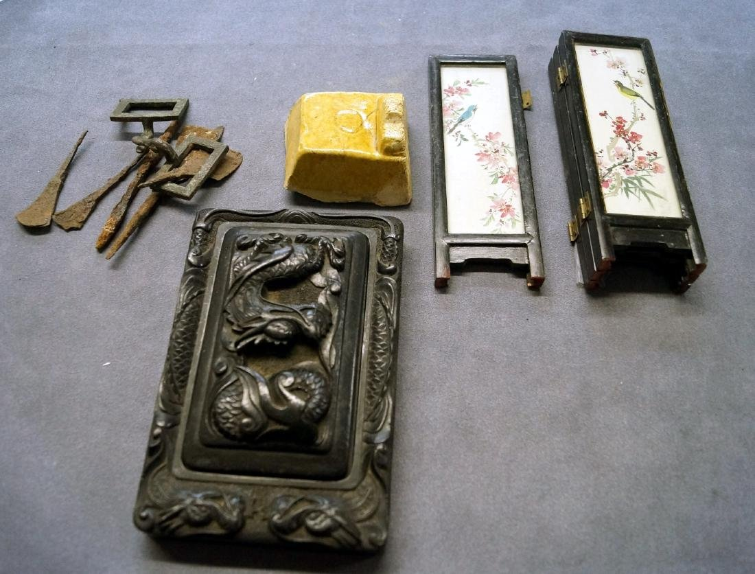 LOT CHINESE INCLUDING INK STONE, MINIATURE TABLE
