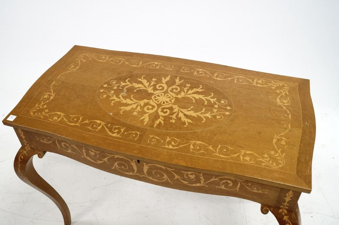 ITALIAN CARVED AND INLAID LIFT-TOP DRESSING TABLE. - 2