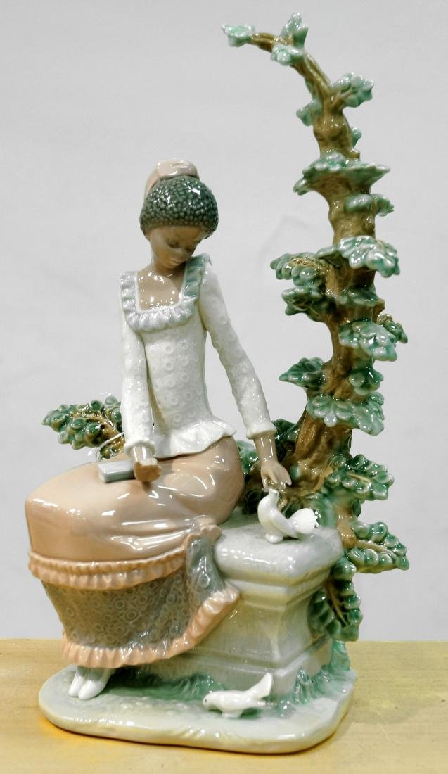LLADRO PORCELAIN FIGURE HARMONY (FROM THE BLACK LEGACY