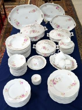 WEIMAR GERMAN DECORATED PORCELAIN DINNER SERVICE FOR