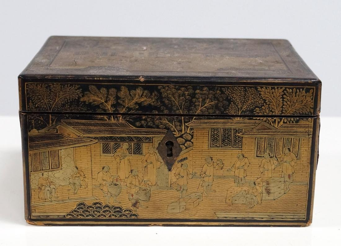 REGENCY CHINESE LACQUER AND GILT DECORATED TEA CADDY