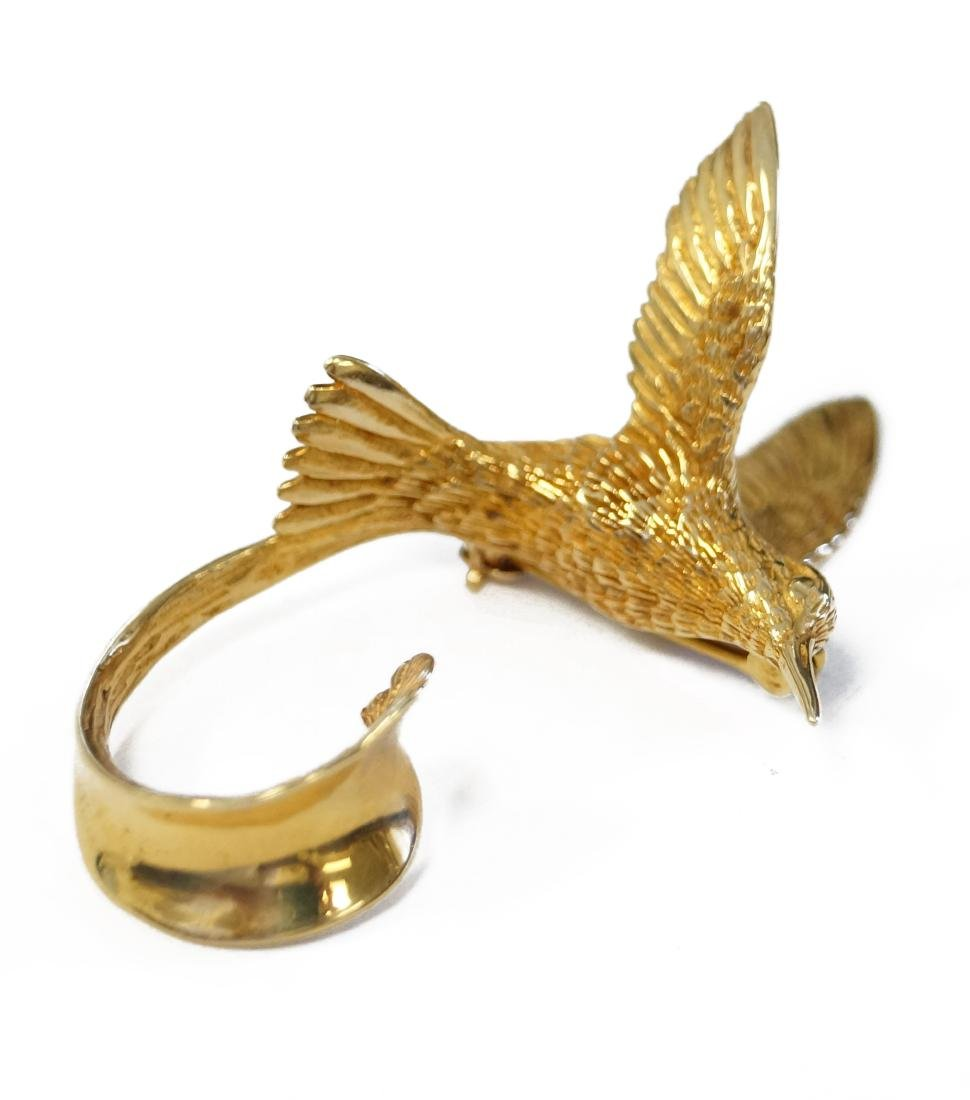 14K YELLOW GOLD HUMMINGBIRD BROOCH, SIGNED G. MCKOY. - 2