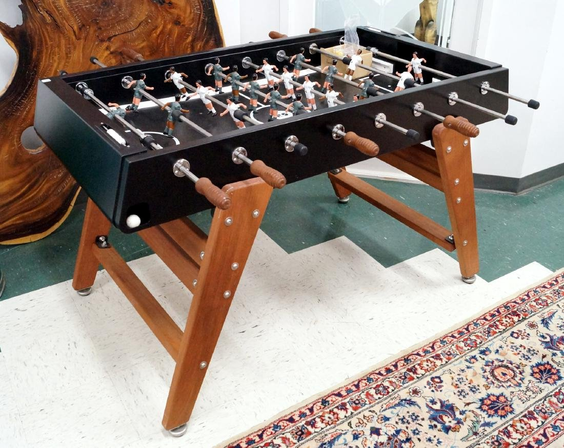 PROFESSIONAL FOOSBALL MACHINE/GAME. LENGTH 60""