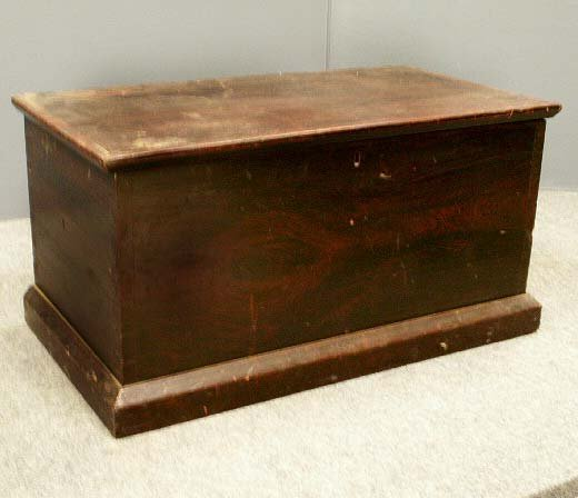3: GRAINED 6-BOARD BLANKET CHEST, 19TH CENTURY