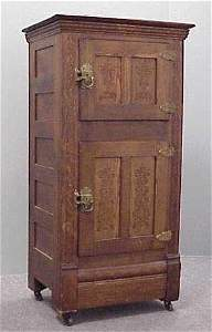 2075: VICTORIAN OAK DOUBLE-DOOR ICE BOX