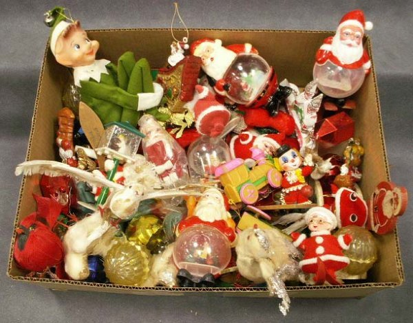 1022: LOT ASSORTED VINTAGE CHRISTMAS ORNAMENTS