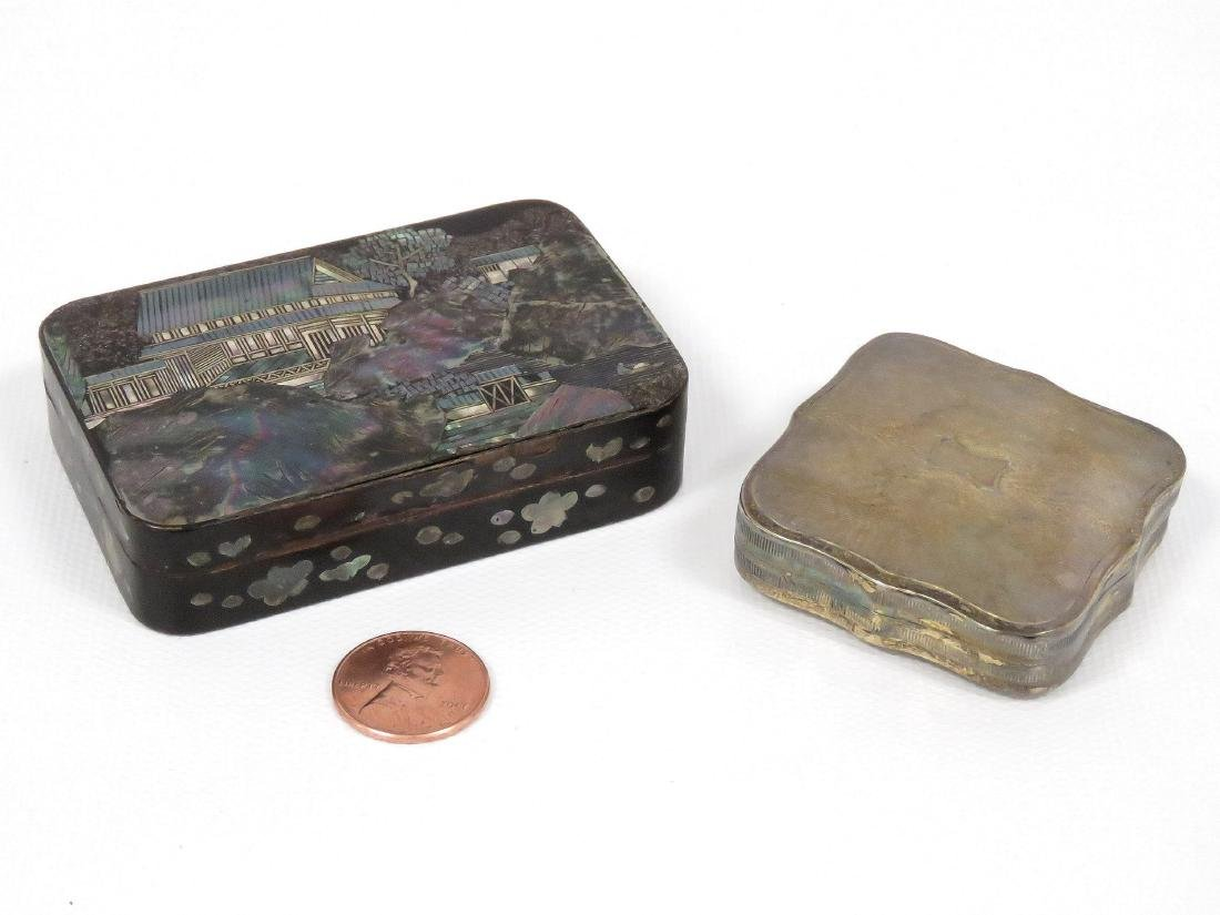 LOT (2) INCLUDING DUTCH SILVER PILL BOX, 0.83 OZT AND