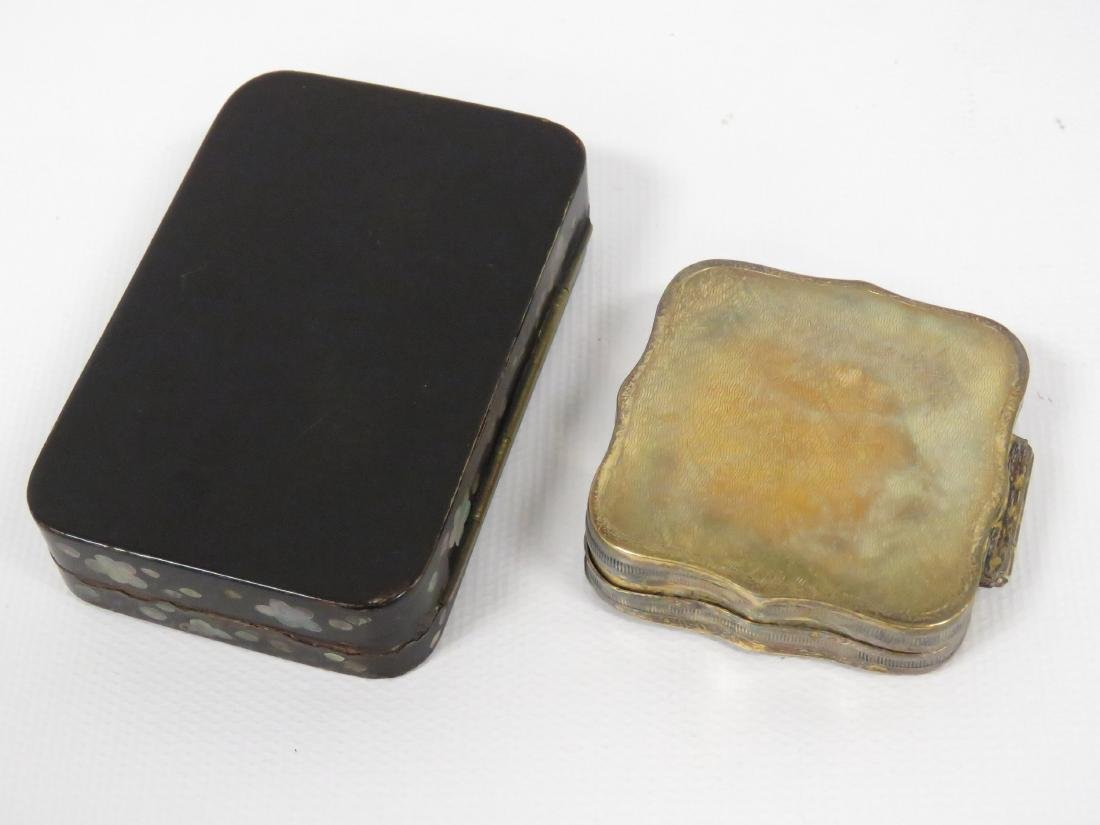 LOT (2) INCLUDING DUTCH SILVER PILL BOX, 0.83 OZT AND - 4