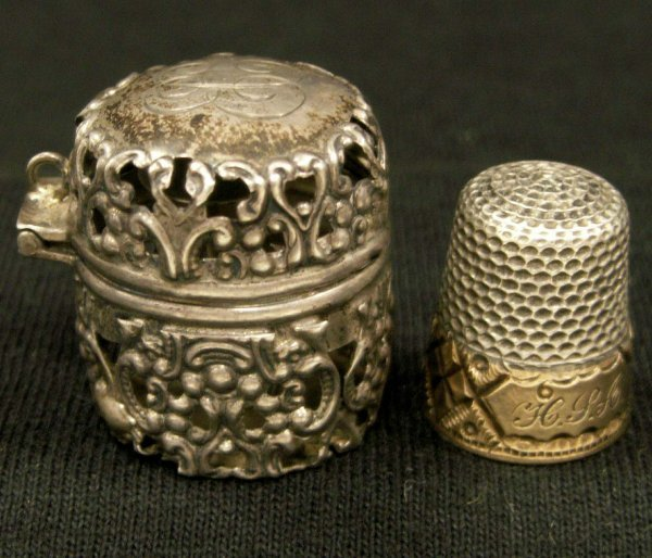 2021: STERLING RETICULATED THIMBLE CASE/THIMBLE
