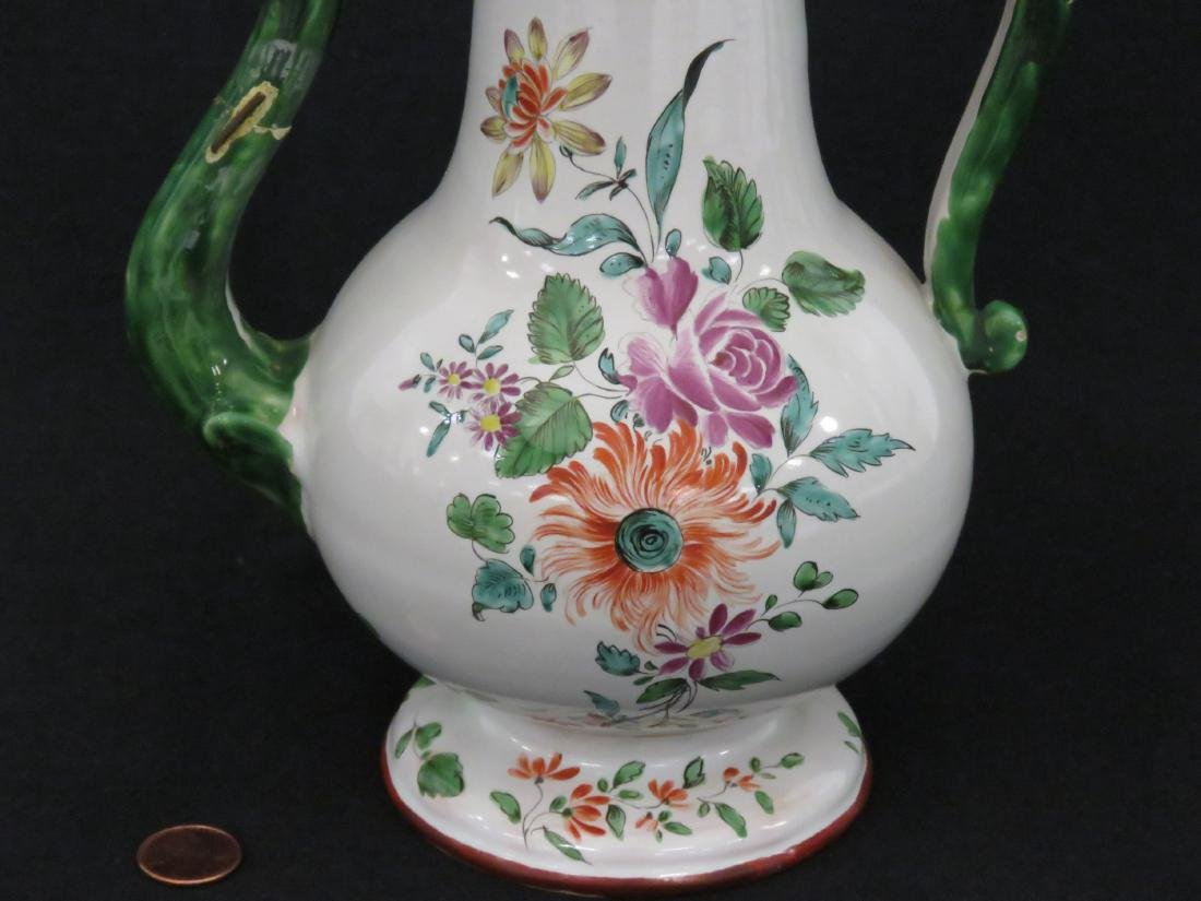 ITALIAN LENOVE FAIENCE DECORATED COFFEE POT, 18TH - 2