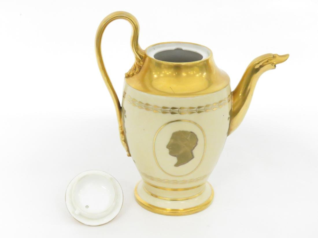 BIEDERMEIER GILT PORCELAIN COFFEE POT, 19TH CENTURY. - 3