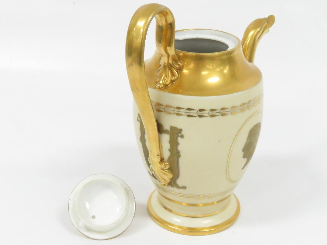 BIEDERMEIER GILT PORCELAIN COFFEE POT, 19TH CENTURY. - 4