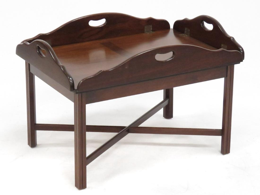 CHIPPENDALE STYLE CARVED MAHOGANY BUTLER'S TRAY TABLE. - 2
