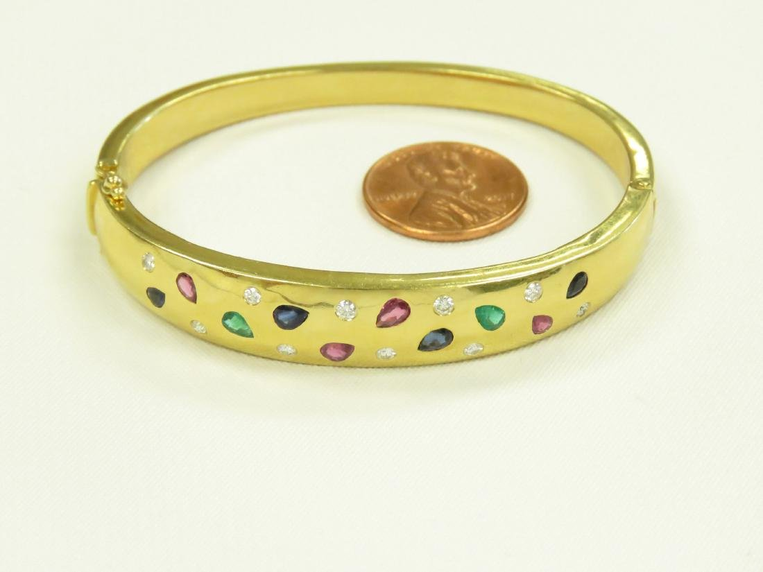 750 YELLOW GOLD GEM-SET HINGED BANGLE BRACELET WITH - 2