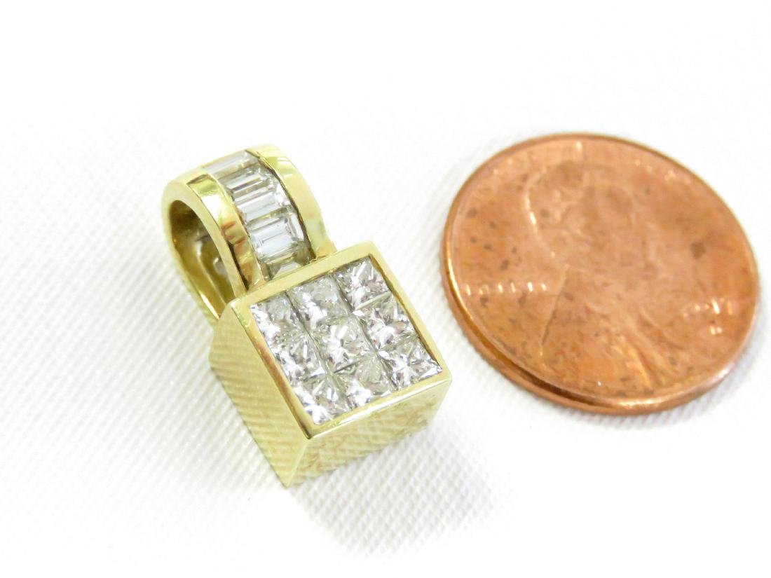 18K YELLOW GOLD AND DIAMOND PENDANT SET WITH (5) 3.0MM