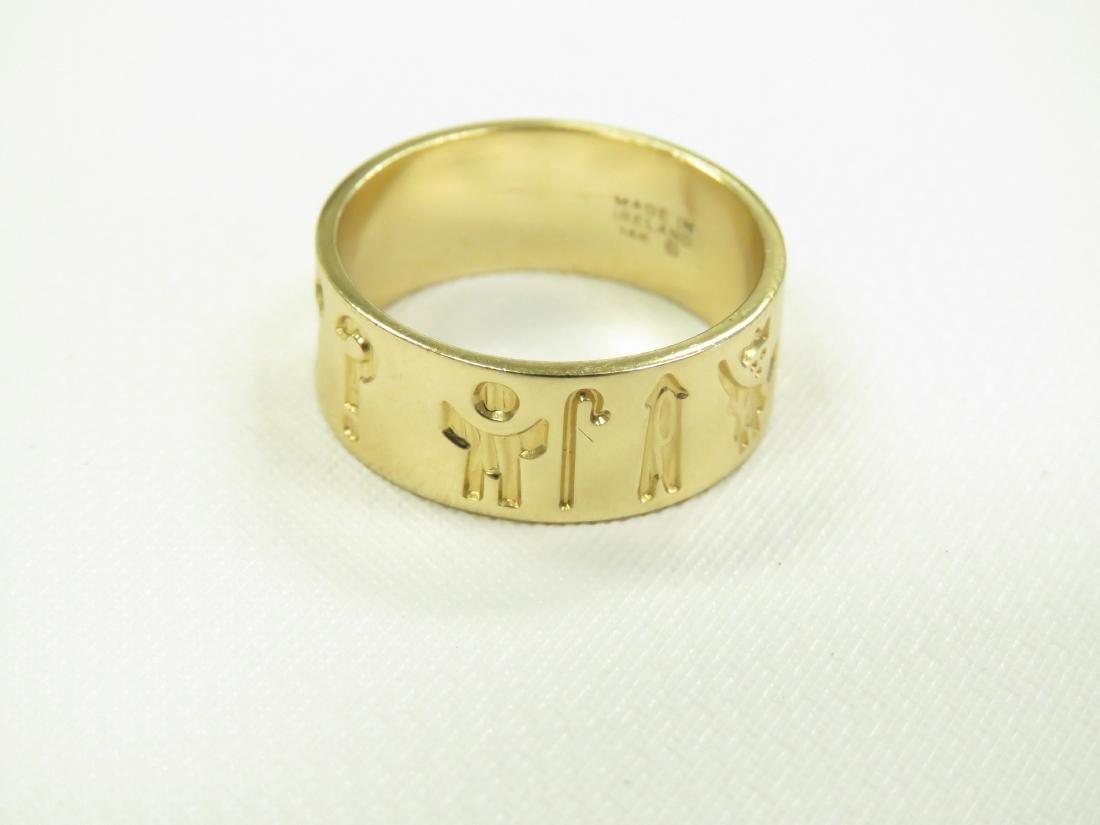 IRISH 14K YELLOW GOLD BAND. RING SIZE 8; 6.01 GRAMS - 2