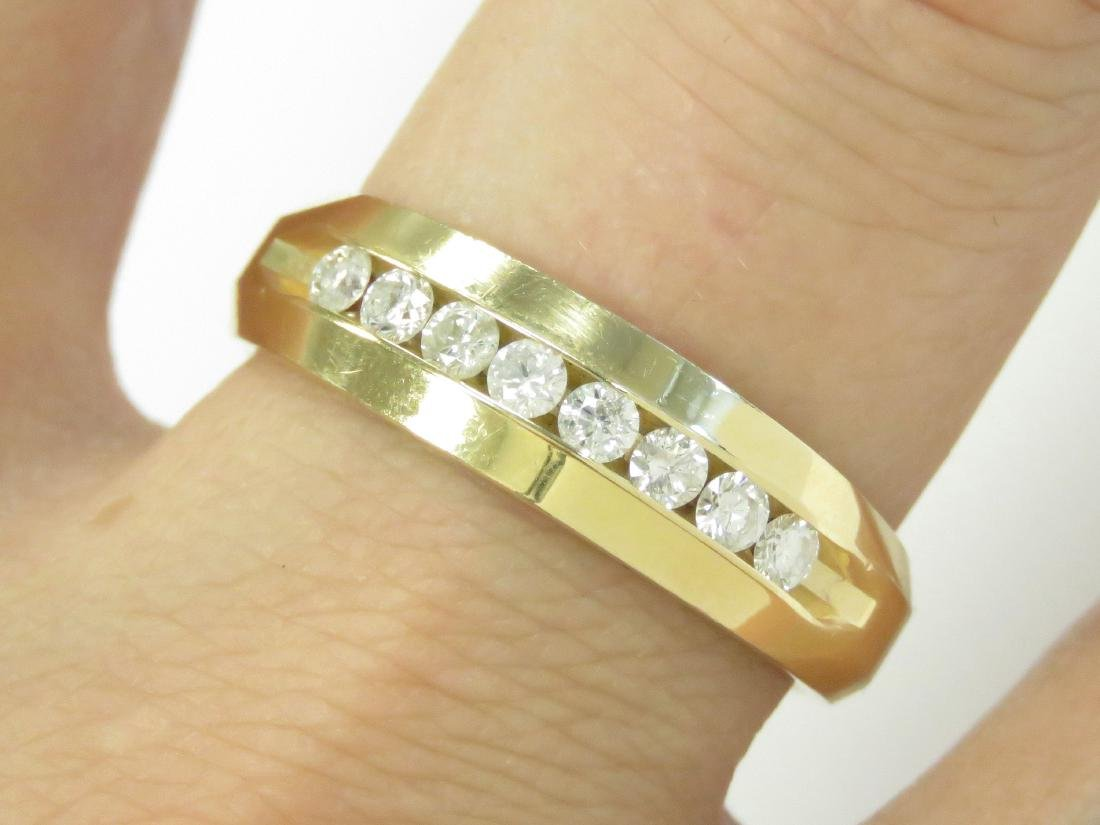 14K YELLOW GOLD AND DIAMOND BAND SET WITH (8) 2.5MM