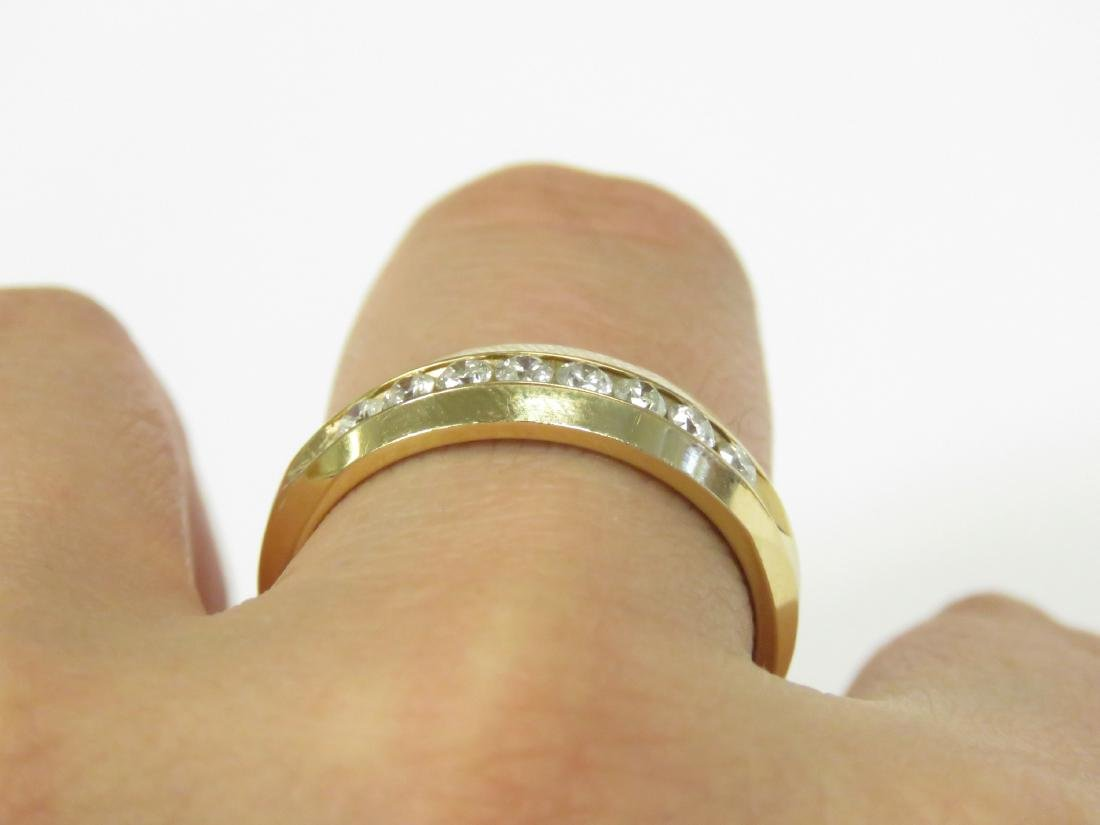 14K YELLOW GOLD AND DIAMOND BAND SET WITH (8) 2.5MM - 2