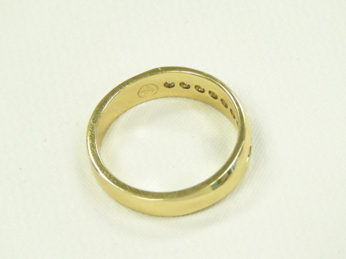 14K YELLOW GOLD AND DIAMOND BAND SET WITH (8) 2.5MM - 3