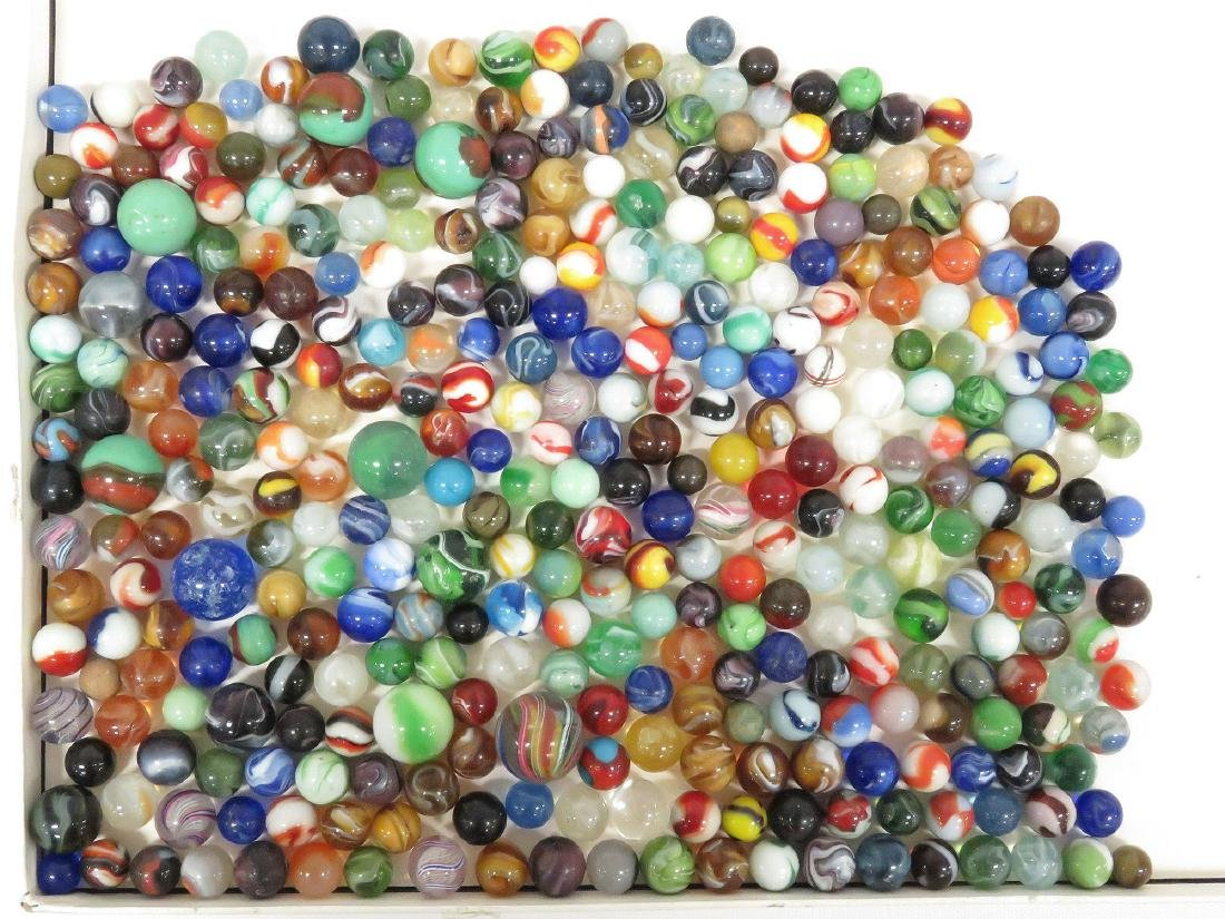 LOT ASSORTED VINTAGE MARBLES