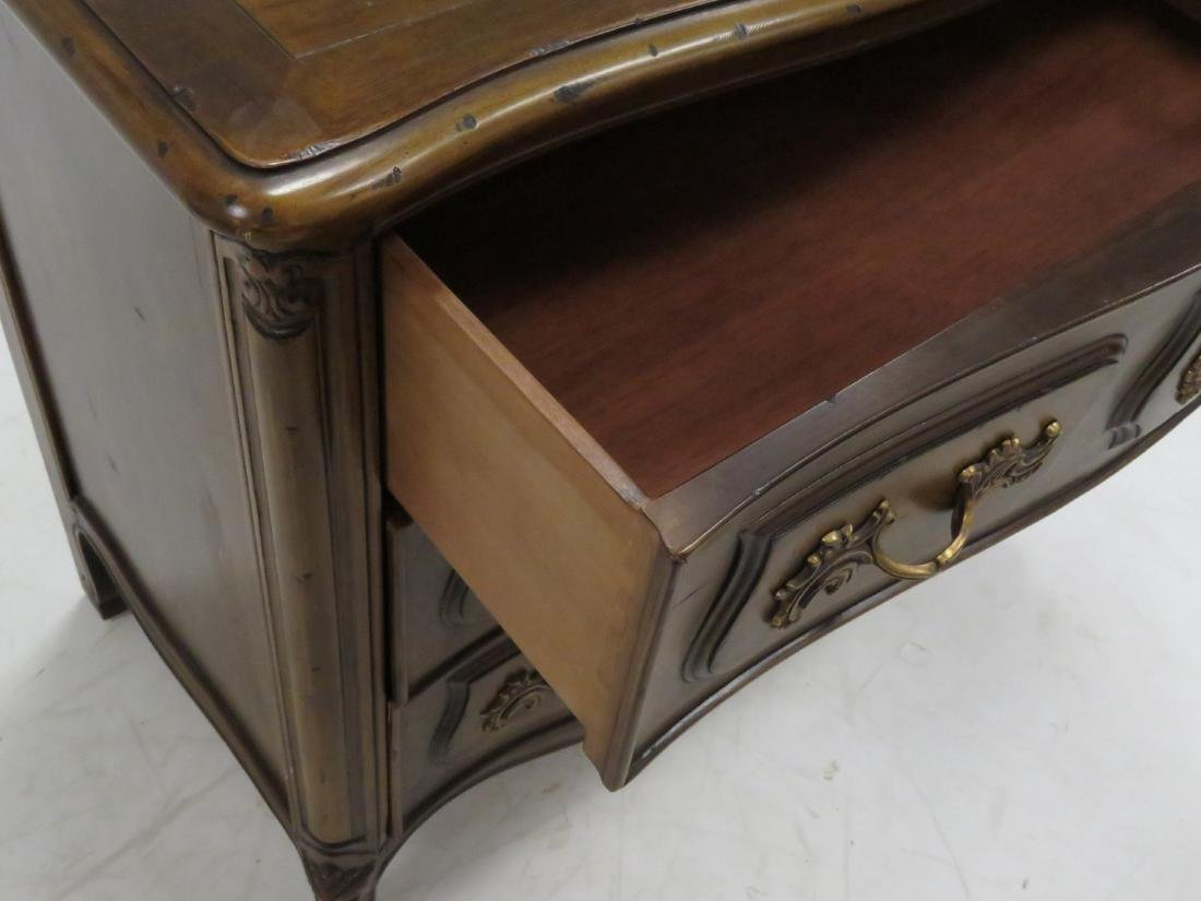 HENREDON FRENCH PROVINCIAL STYLE FRUITWOOD COMMODE. - 3