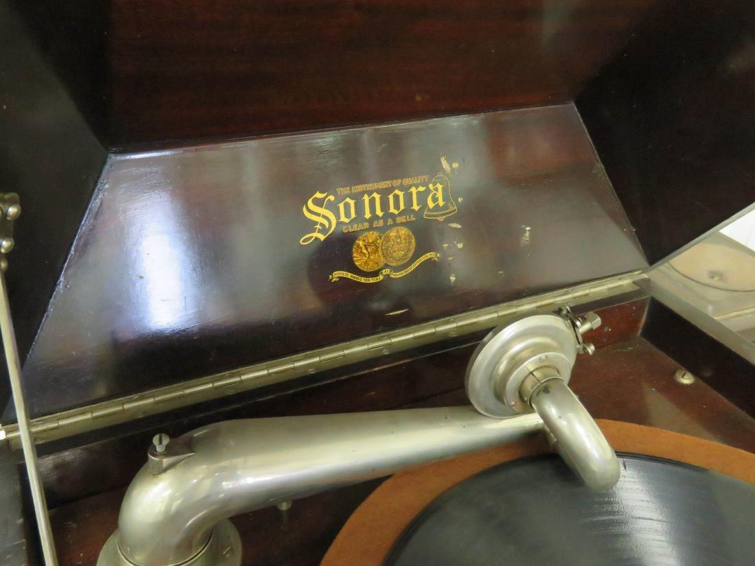 VINTAGE SONORA MAHOGANY CONSOLE VICTROLA. HEIGHT 46 - 2