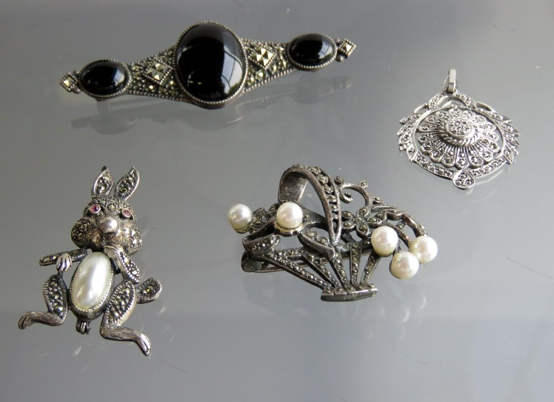 LOT (4) VINTAGE 925 STERLING AND MARCASITE BROOCHES AND