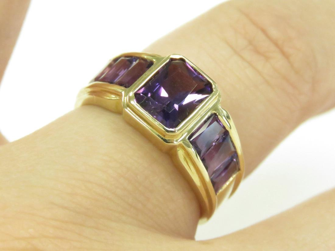 750 YELLOW GOLD AND BEZEL-SET AMETHYST AND DIAMOND