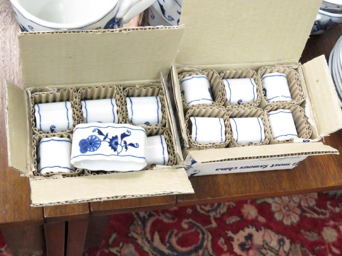 BLUE DANUBE DECORATED PORCELAIN DINNER SERVICE FOR (12) - 4