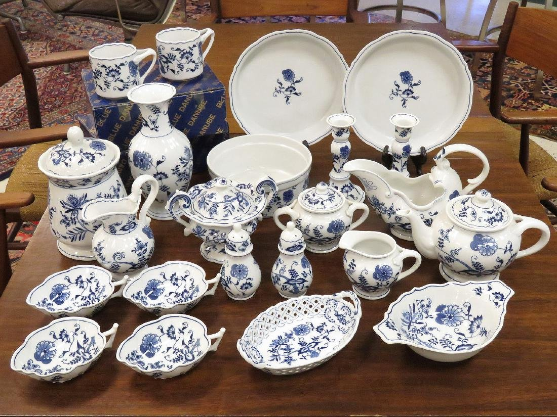 LOT (29) ASSORTED BLUE DANUBE DECORATED PORCELAIN
