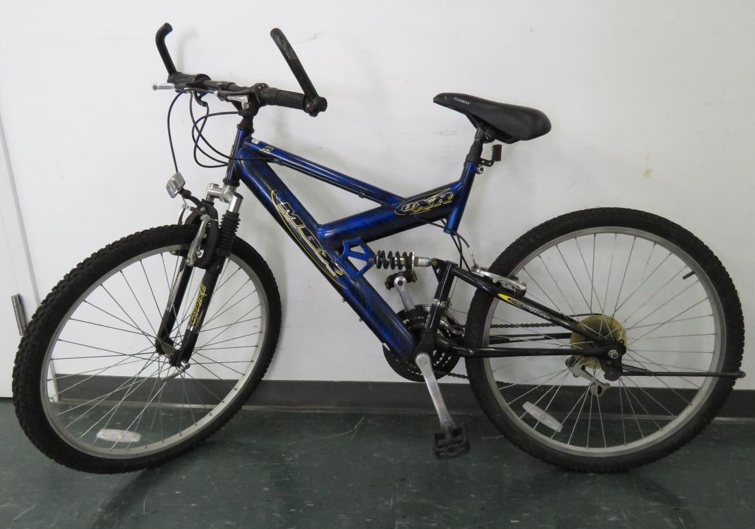 Mongoose Mgx Strike Men S 26 21 Speed Mountain Bike
